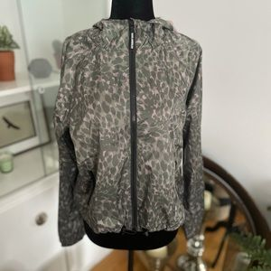 GOOD AMERICAN Leopard-Print Hooded Jacket